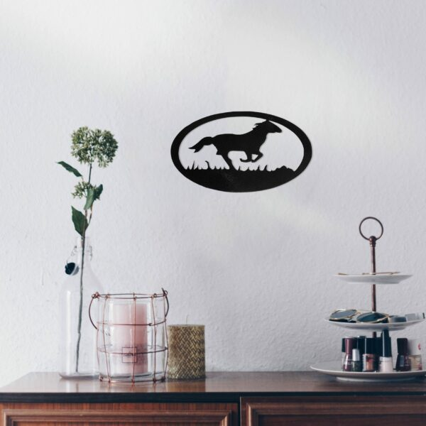 black-horse-oval-over-makeup-table-scaled