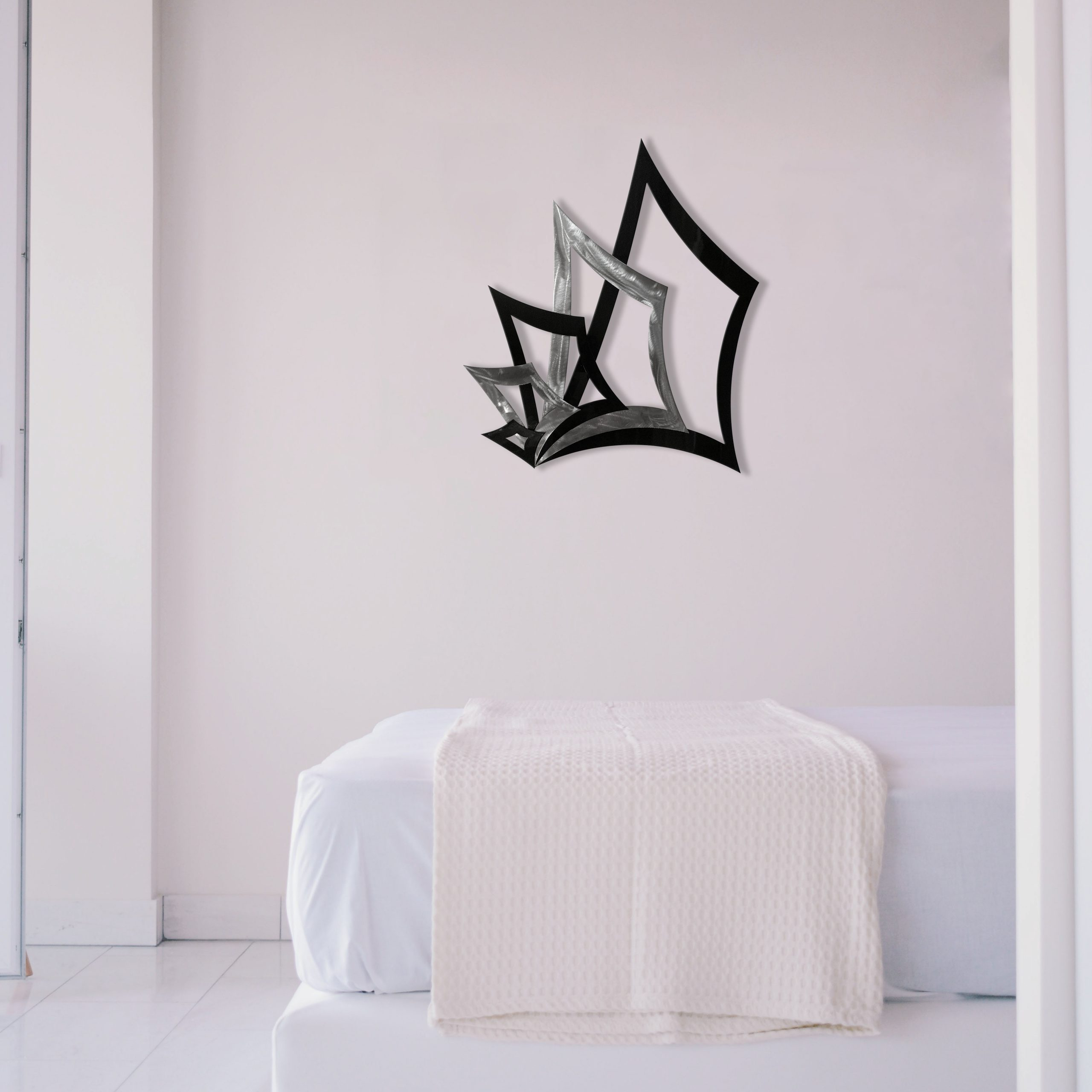 black-poker-hand-2.0-in-bedroom-scaled