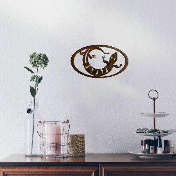 rust-lizard-oval-over-makeup-table-scaled