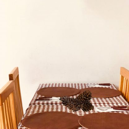 pinecones-on-tables-scaled