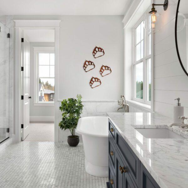 rust-bear-paw-prints-in-bathroom-scaled