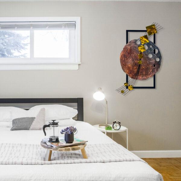 yellow-dark-side-of-the-moon-in-bedroom