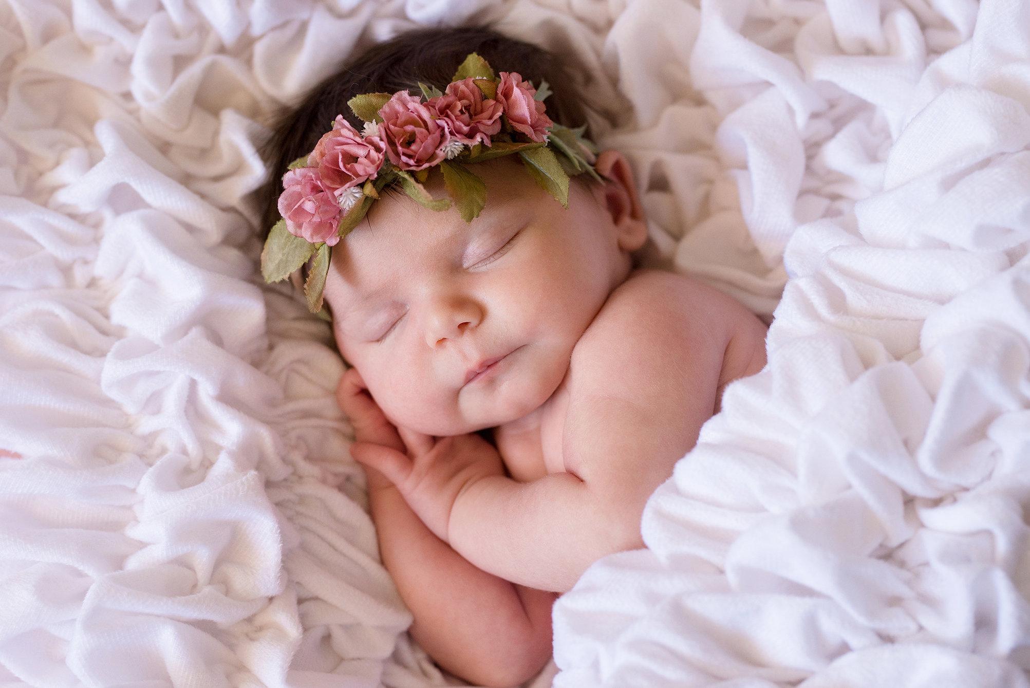 Albrea White Baby Blanket